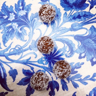 Image of cacao & chia balls for vets now article on healthy eating