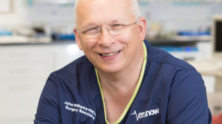 Image of surgery specialist John Williams for Vets Now careers article on working veterinary specialist jobs at Vets Now